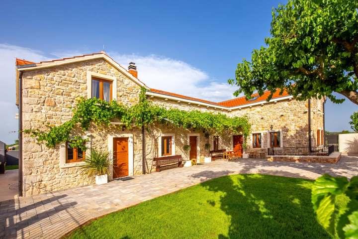 Villa Ambar
