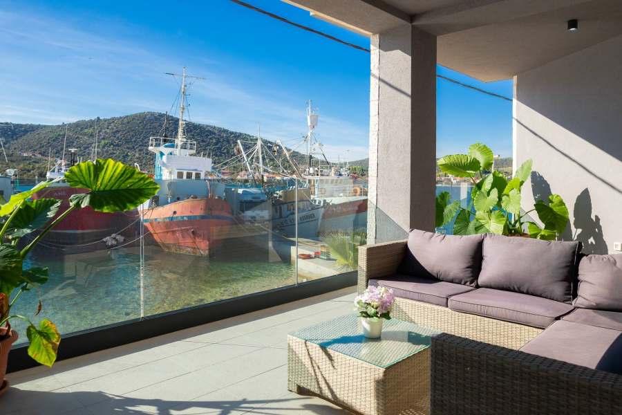 Beachfront Luxury Villa