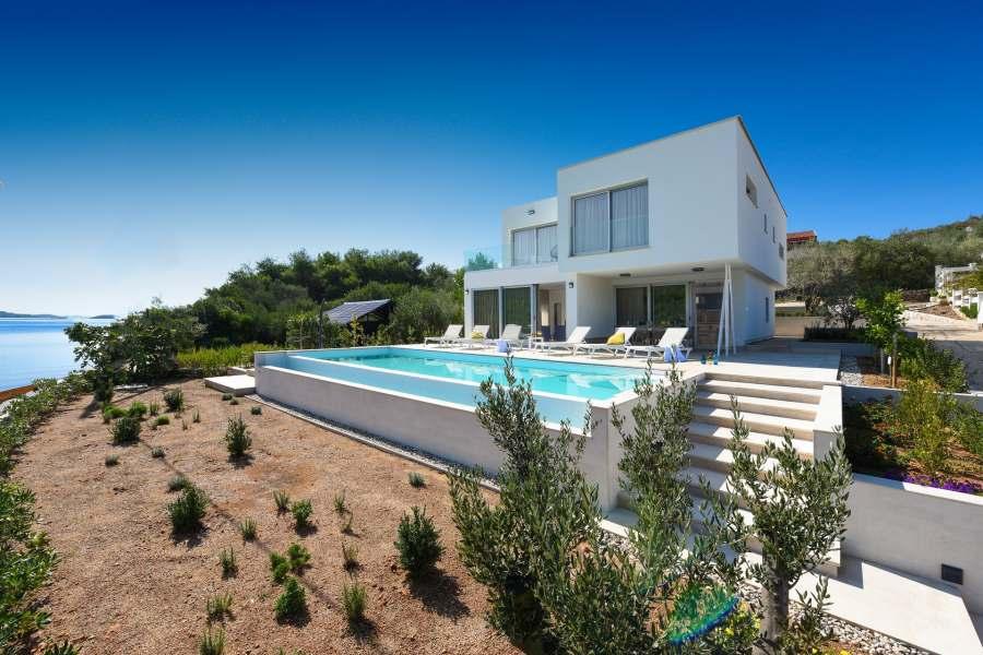 Villa InBlue