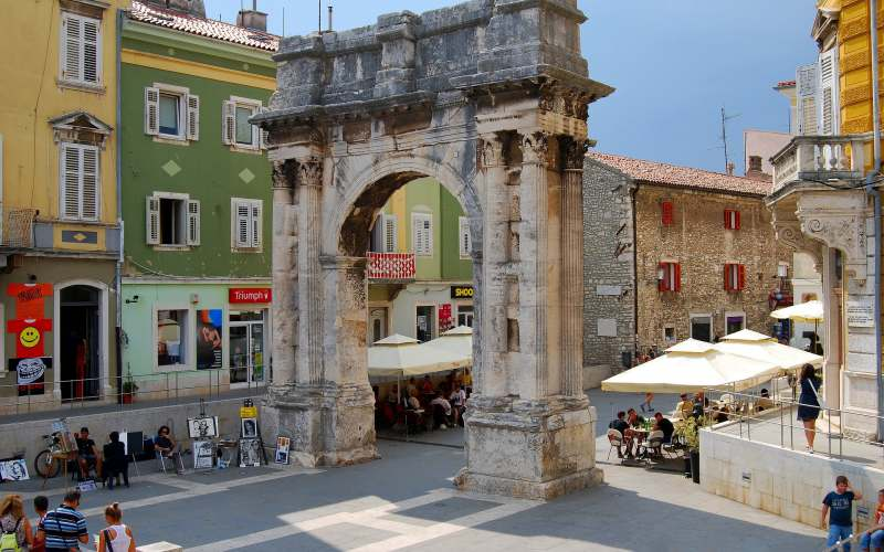 How about coming to Istria and choosing Pula for your main destination?