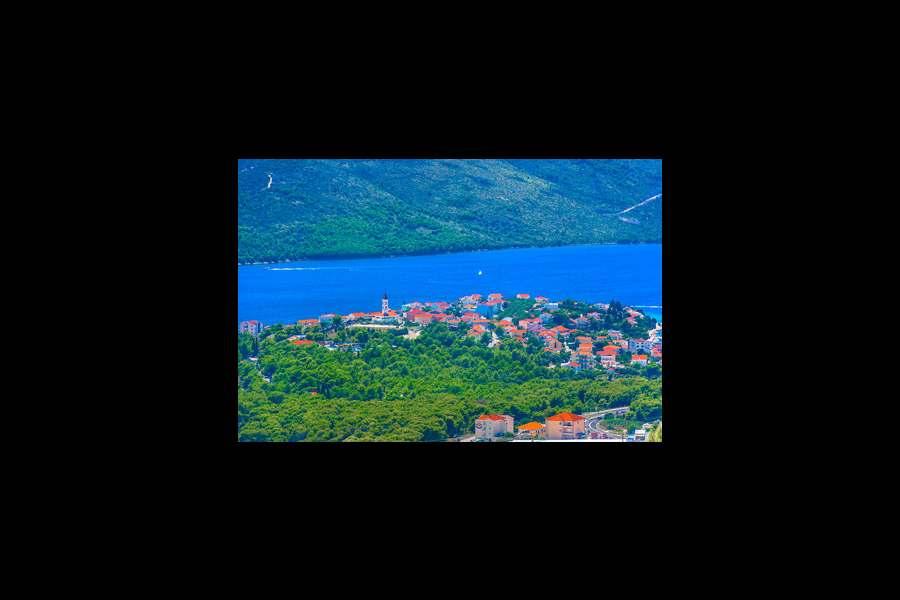 Seget Vranjica – šarmantna destinacija u srcu Dalmacije