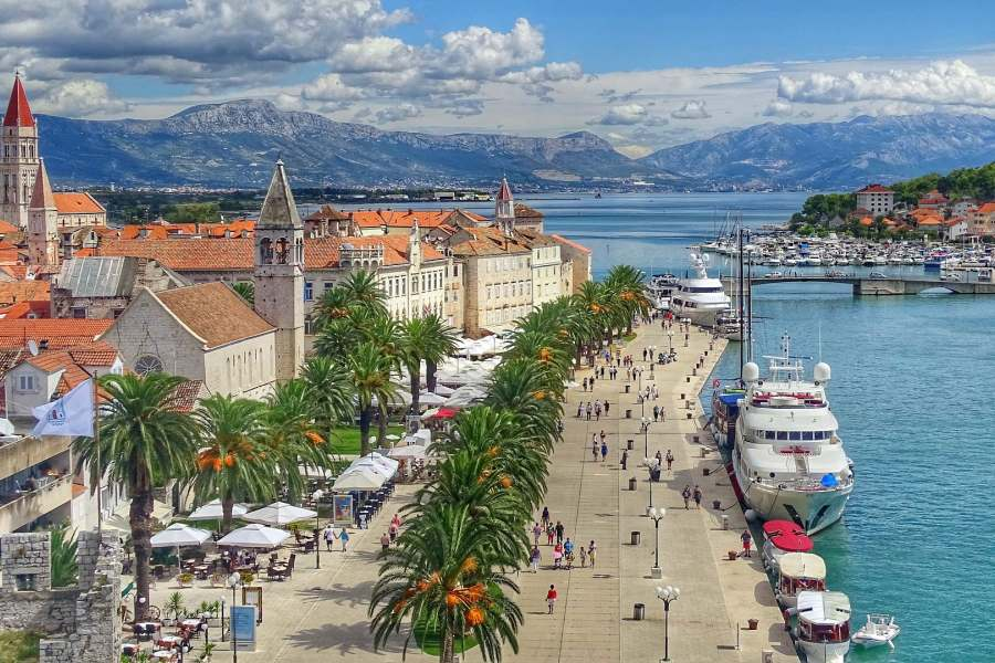 Spend your holiday in the beautiful Trogir
