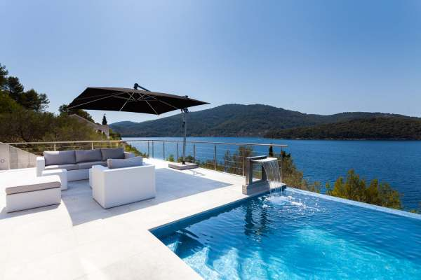 Villa Style and Sea
