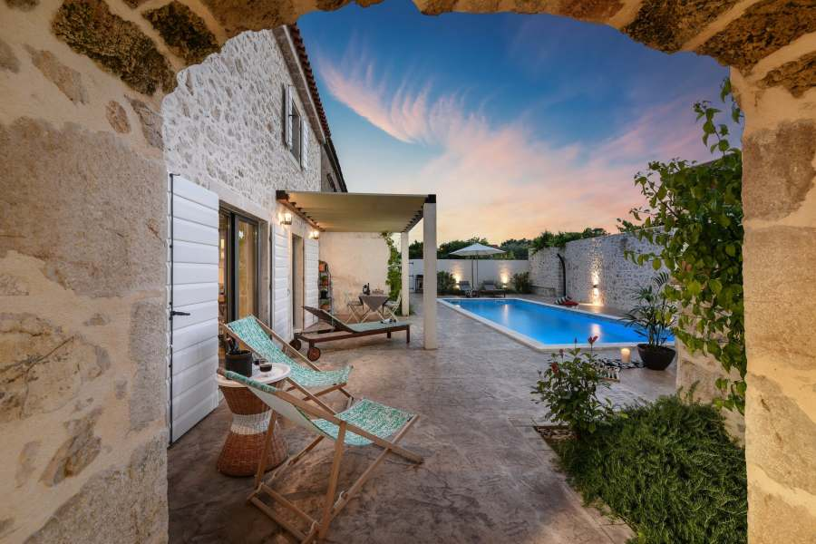 Rent the best luxury villa in Croatia in historical Nin