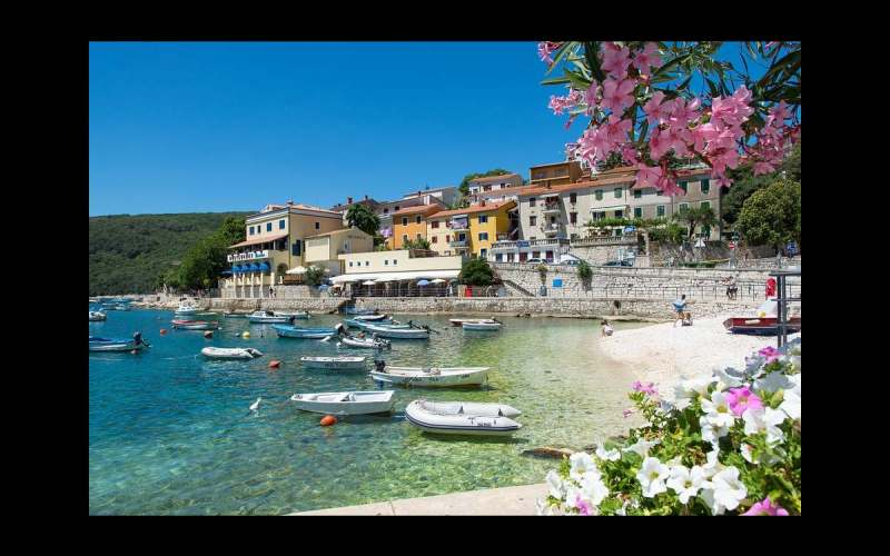 Spend an enchanting holiday in Istria enjoying its beaches