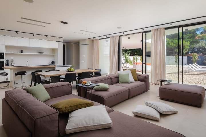 Villa Aron