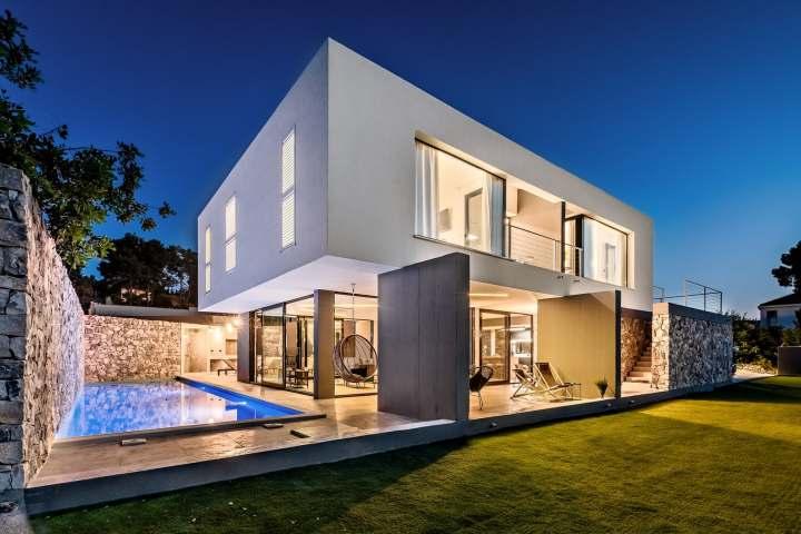 Villa Petra Sutivan