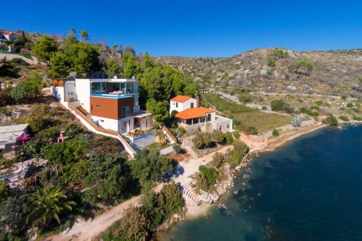 Villa Deja Vu