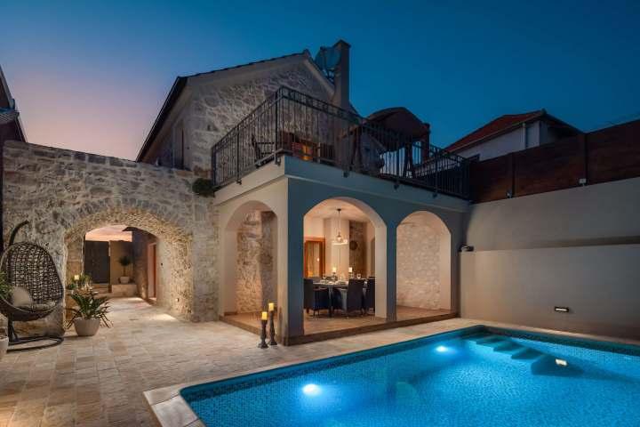 Villa Kameni dvori