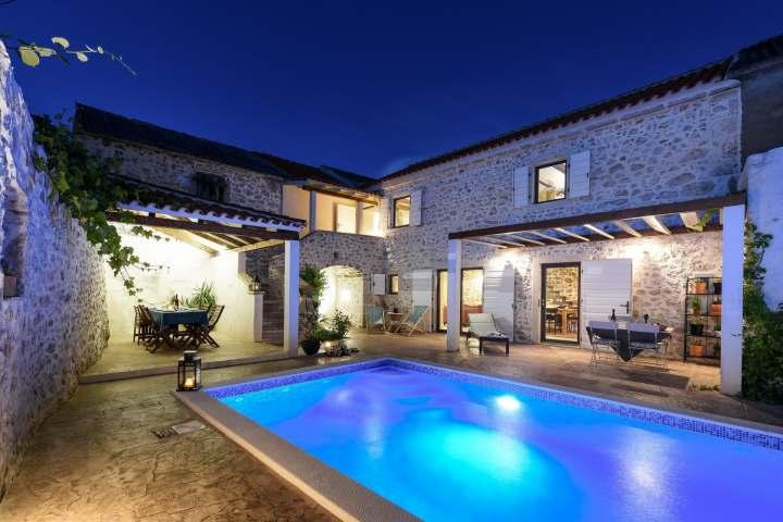 Villa Dvori