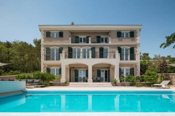 Villa Veglia Palace