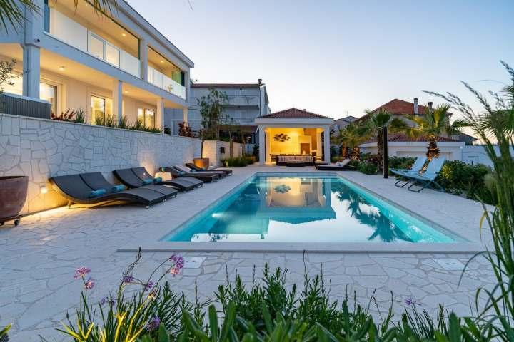 Villa Due