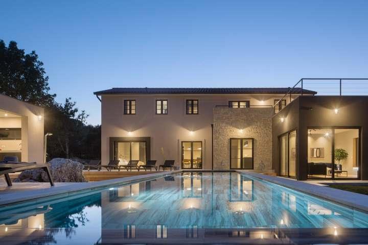 Villa Mons Caldera